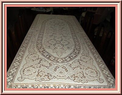 Stunning Vintage Ivory Quaker Lace Banquet Tablecloth With Amazing Design  & Con