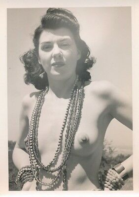 1950s Original Amateur Nude Photo Buxom Brunette Outside with Beads
