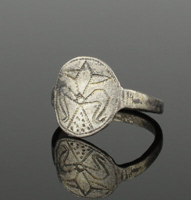 Lovely Medieval Silver Ring - Circa 13Th Century Ad