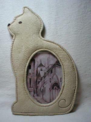Cat Shaped Photo Frame Cream Suede Leather for 5 x 3.5 Oval Vertical Picture CBK
