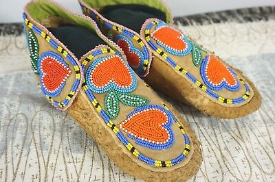"""Beaded Moccasins ~ Vintage / OLD Native American ~ HEARTS ~ 9.5"""" Long ~Fine Cond"""