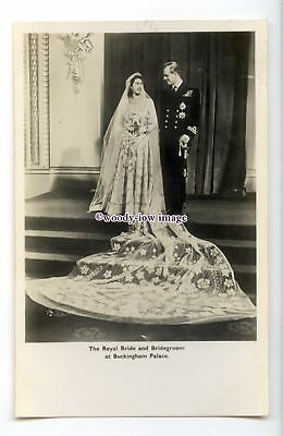r2771 - The Bride & Groom after their Marriage, at Buckingham Palace - postcard
