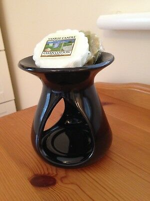 Lovely Black Cut-Out Design Tart/Oil Burner + 2 Yankee Candle Wax Tarts