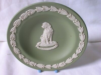 Lovely Wedgwood green jasper ware 4.25 inch diameter pin dish - Guide Dogs