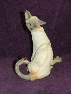 A Breed Apart Cat by Country Artists LUCKY Siamese with Ladybug Figurine 70421