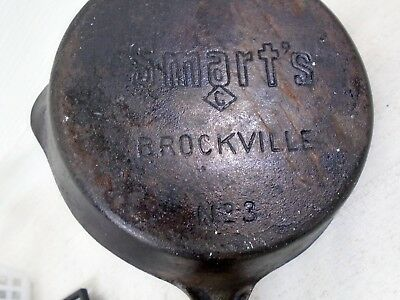 """Vintage Read To Use Smarts Cast Iron No 3 Frying Pan Skillet Brockville Ont 5"""""""