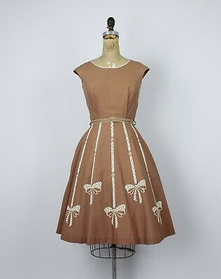Vintage 1950s/50 Pennys Brentwood Flocked Polka For Bow Novelty Print Dress
