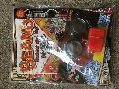 Beano Comic Magazine With Free Toy On Front Unused Original Squirting Specs