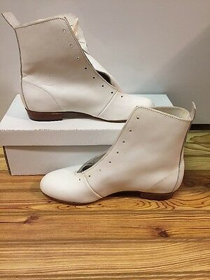High Country, Size 6 M WOMENS Clogging Dance boots, Shoes, (no Taps) WHITE