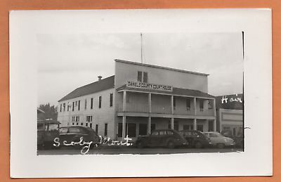 MT Montana Scobey Scoby Daniels County Court House Courthouse Postcard RPPC