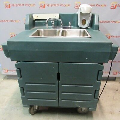 Cambro KSC402 2 Comp Portable Self-Contained Hand Washing Sink Hot Water Cart