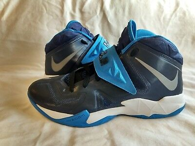 3b4293ef1909 Nike Air Zoom Lebron Soldier VII 7 Basketball Shoes Men s Size 9.5