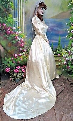 Antique VINTAGE Art Deco Satin WEDDING GOWN train HEART applique TULLE neckline