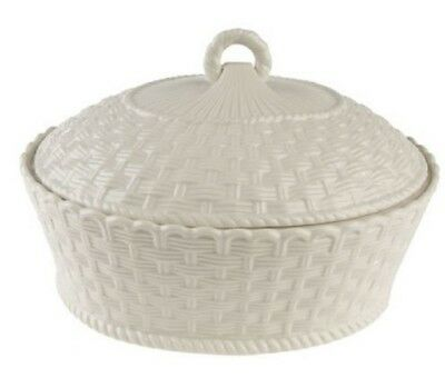 Belleek Pottery Everyday 2 Quart Oval Covered Casserole Dish