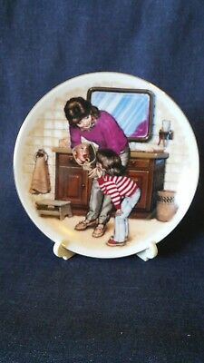 Avon Mothers Day Collectible Plate 1986