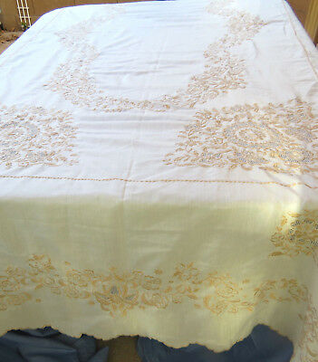 """Vintage Embroidered Floral Tablecloth 68x108"""" Rectangle Beige Polyester"""