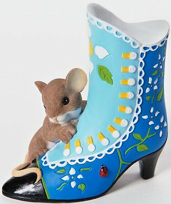TCA Charming Tails A BEAUTIFUL SOLE IS ALWAYS IN FASHION Mouse & Victorian Shoe