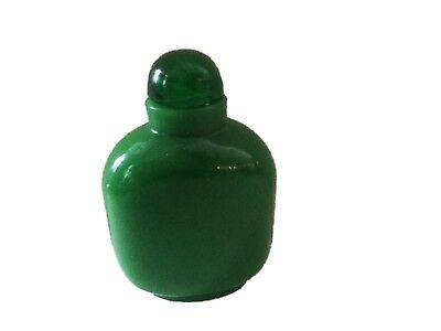 Old Chinese Peking Glass Emerald green Snuff Bottle