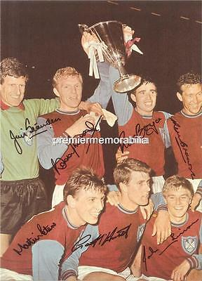 West Ham United Fc Bobby Moore Geoff Hurst Martin Peters Signed 1965 Cup Final