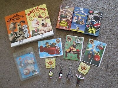 Wallace & Gromit Lot of 13  Key Chains Magnets Cards Movies Animator Fun Pack