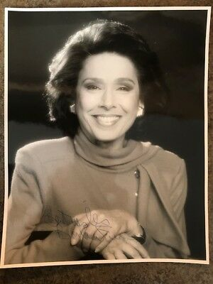 8x10 photo signed by former CBC newscaster BARBARA FRUM