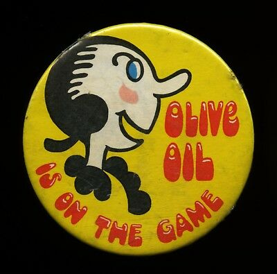 OLIVE OIL IS ON THE GAME - Vintage Badge - OLIVE OYL - Popeye - BUTTON - Pin