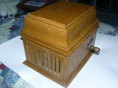 edison amberola 30 in oak case in working cond.with 10 tube records