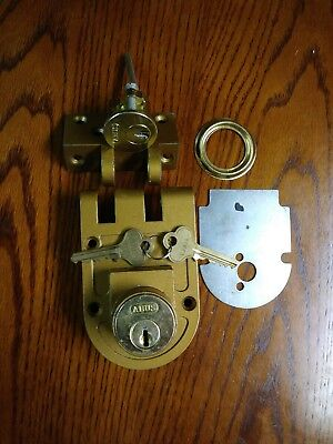 VTG Heavy Cast Brass Door Lock  w/ Key and key cover new old stock