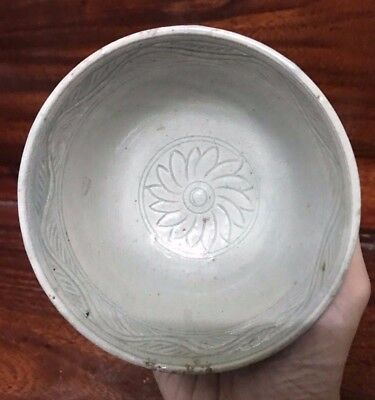 Antique Thai Sukhothai  Export  Celadon   Bowl Longquan  Yunan   Style
