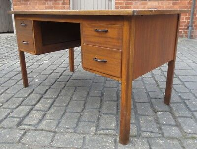 VINTAGE 1930/50s ABBESS STYLE SHABBY CHIC KNEEHOLE OFFICE DESK. PAINT, UPCYCLE