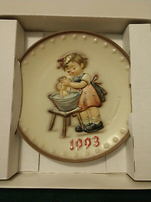 1993 M.J. HUMMEL Hand Painted PLATE  (HUM 289) WITH BOX