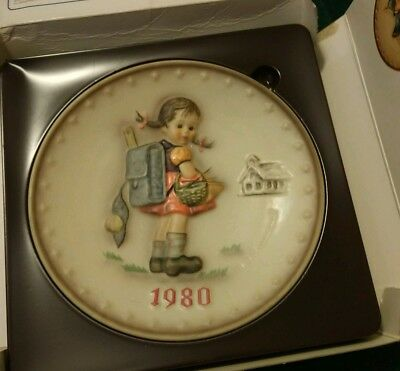 1980 MJ Hummel (10th Annual) hand painted decorative plate in original box