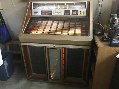 Rowe R90 Jukebox Plays 45's