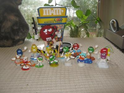 """M&M's World Collectible Nascar """"Racing Team"""" Candy Dispenser + 13 Small Guys"""