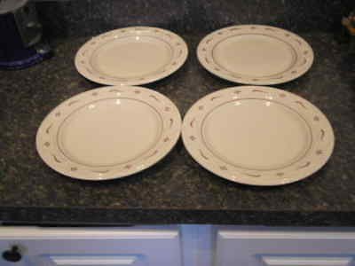 "Longaberger Pottery Woven Traditions Set of 4 Traditional Red 10"" Dinner Plates"