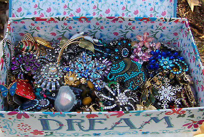 Lot of Over 75 Modern /Vintage Rhinestone Art Glass Brooches Pins Lot Nice As Is