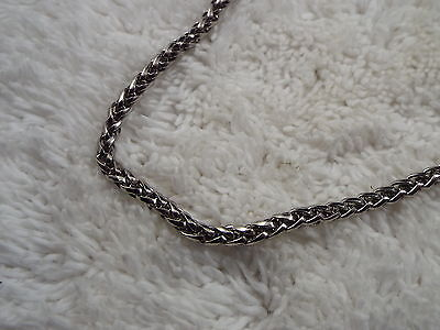 Silvertone Rolled Chain Necklace (A52)