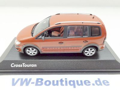 + VW Cross Touran GP1 von Minichamps in 1:43 + orangemetallic +