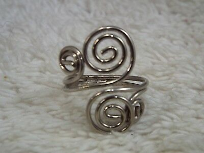 Silvertone Curled Ring ~ Size 6  (D23)