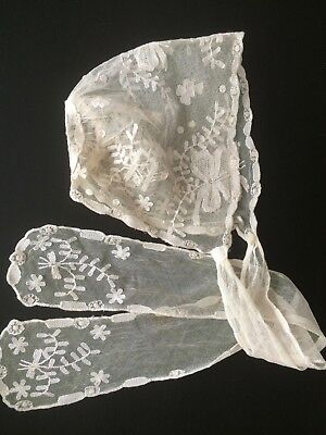 Pretty Vintage Baby's or Doll's Lace Bonnet