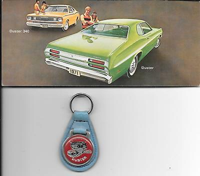 1971 PLYMOUTH DUSTER Advertising POST CARD + Vintage Duster KEY CHAIN-Nice!