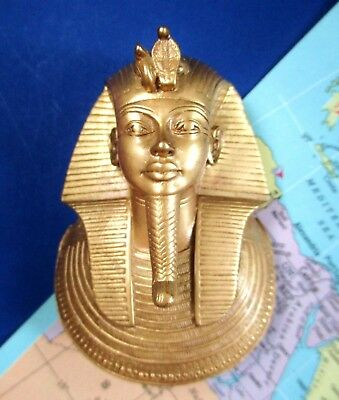 1976 Mma King Tut Death Mask Pendant & Display Stand Metropolitan Museum Of Art