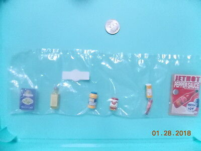 Megahouse dollhouse miniature Pepper Sauce, Gnocci, olive oil, tomato sauce, etc