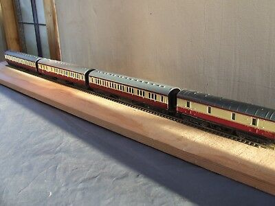RAFT of  BR  MAUNSELL CORRIDOR COACHES  OO by BACHMANN, MAINLINE