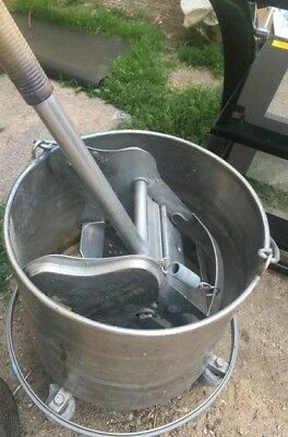 """Royce Rolls #428 Stainless Steel 8-Gallon Bucket and Wringer Combo on 3"""" Casters"""