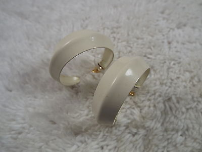 Cream Enamel Hoop Pierced Earrings (A19)