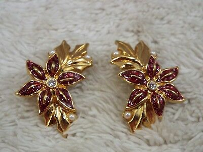 Vintage AVON Goldtone Red Poinsettia Pierced Earrings (A43)