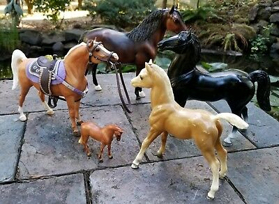 Lot of 5 BREYER MOLDING CO Toy Collectible Model  Horses Chris Hess