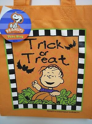 Peanuts Snoopy Halloween Linus Trick Or Treat Fabric Bag New with Tag.