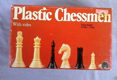 Collectable Plastic Chessmen, Holdson